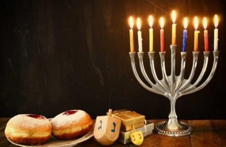 חנוכה וחגיגות סוף-שנה